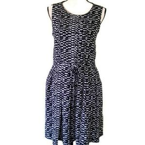 VINCE CAMUTO Sleeveless Lined Dress